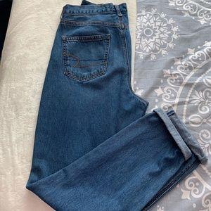 American Eagle Mom medium wash jeans